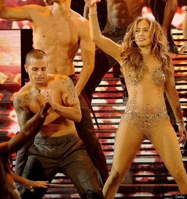 JENNIFER-LOPEZ-CASPER-SMART-AMAS